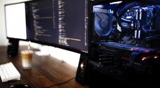 Uchwyt na monitor - idealny dla twojego monitoru